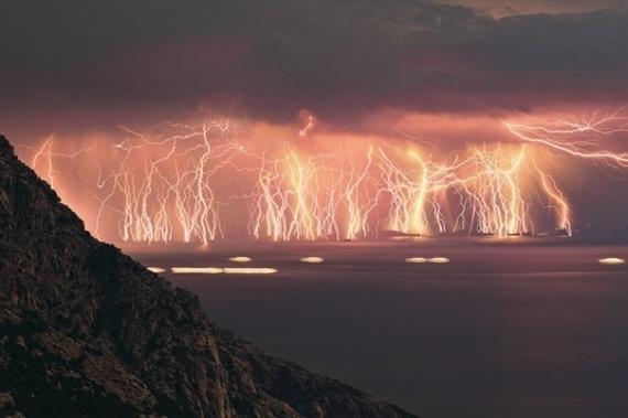 Молнии во время шторма (70 штук)