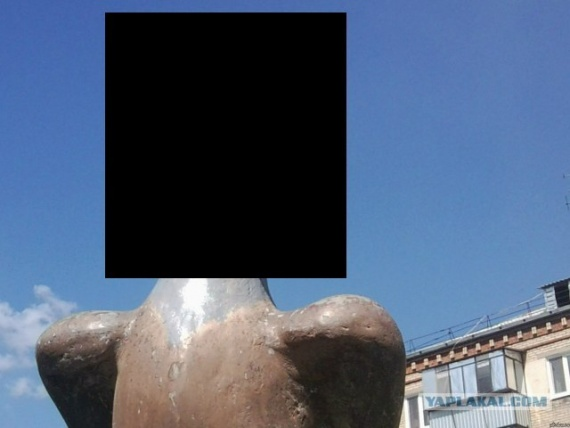 Челябинские скульпторы восстановили монумент орлу